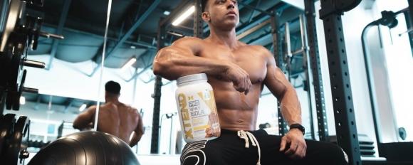 Трябва ли да се пият аминокиселини, ако се пие протеин на прах?